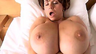 Bigtits babe naked