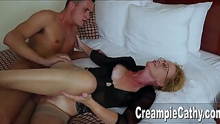 Young Guy Creampies Cougar