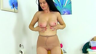 English milf Annabella Ford pleasures her wet pink fanny
